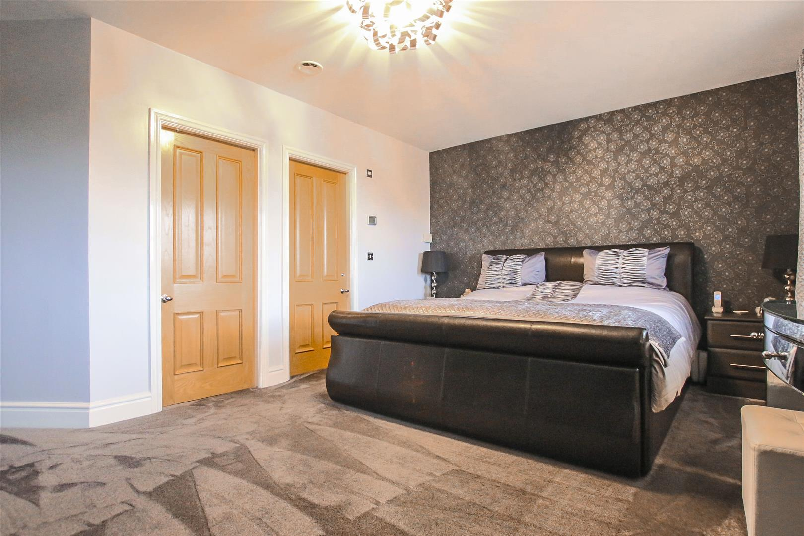 4 Bedroom Detached House For Sale - Bedroom 1